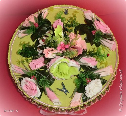 """Вот такой """"торт"""" сегодня получила в подарок на День рождения моя сестра. """"Тортик"""" с сюрпризом: в нём спрятаны не только конфетки, но и сам подарок.  Общий вид ... фото 2"""