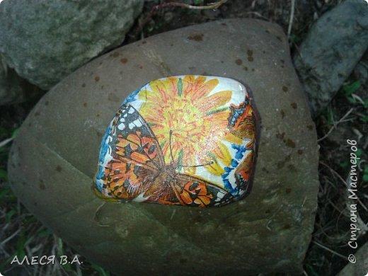 Такие вот хорошие камушки!!! Прям идеальные!! Не знаю, как надо правильно работать с камнем, на сначала покрыла грунтом, потом уже рисовала красками акриловыми, и уже сверху лак!! фото 3
