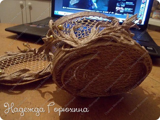 """Шкатулка """"Лето золотое"""". Выполнена из джута (натуральный цвет), золотой сетки (текстильная), золотых бусин. Высота шкатулки 7 см. фото 5"""