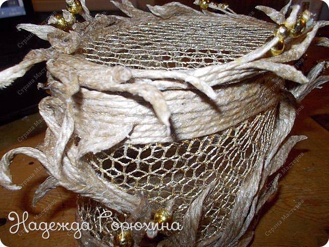 """Шкатулка """"Лето золотое"""". Выполнена из джута (натуральный цвет), золотой сетки (текстильная), золотых бусин. Высота шкатулки 7 см. фото 7"""