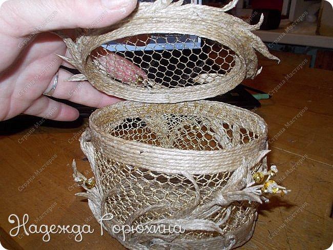 """Шкатулка """"Лето золотое"""". Выполнена из джута (натуральный цвет), золотой сетки (текстильная), золотых бусин. Высота шкатулки 7 см. фото 8"""