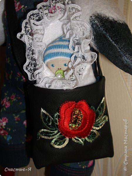 Вот такой аист  был сшит на заказ ,на  рождение ребенка.) Нет, он не моряк , просто летел из Крыма в Нижневартовск , а бескозырка просто опознавательный знак.) Вся одежда снимается и у аиста, и у малыша. (кроме шапочки). фото 5