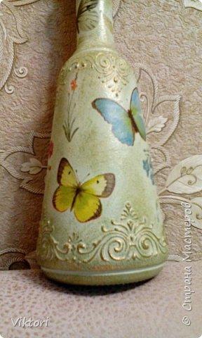 Добрый день! Вот неуглядела и бутылочка осталась не показанной. Заказ был на оливковый цвет и много бабочек. фото 10