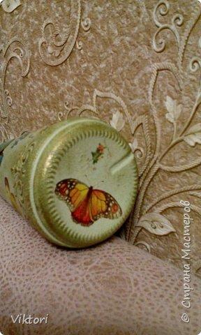 Добрый день! Вот неуглядела и бутылочка осталась не показанной. Заказ был на оливковый цвет и много бабочек. фото 9