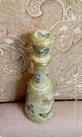 Добрый день! Вот неуглядела и бутылочка осталась не показанной. Заказ был на оливковый цвет и много бабочек. фото 8