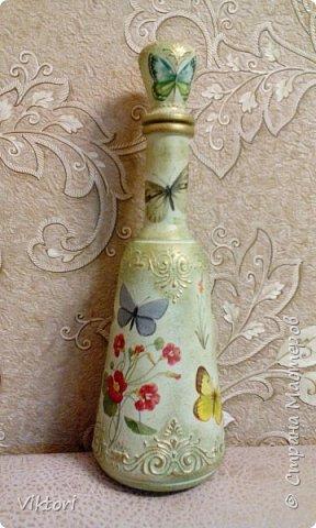 Добрый день! Вот неуглядела и бутылочка осталась не показанной. Заказ был на оливковый цвет и много бабочек. фото 7