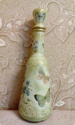 Добрый день! Вот неуглядела и бутылочка осталась не показанной. Заказ был на оливковый цвет и много бабочек. фото 2