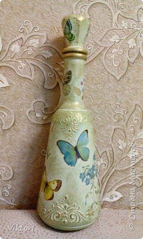 Добрый день! Вот неуглядела и бутылочка осталась не показанной. Заказ был на оливковый цвет и много бабочек. фото 1