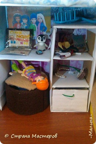 Привет СМ!  Так-как у меня появилась новенькая кукляша- Мили мне пришлось думать о том куда и с кем её поселить... хотела оставить всё как было ,но поставить новую кровать, а в итоге я выбросила все кровати и сделала двухэтажную кровать экономящую место в комнате... Сейчас я вам покажу эту комнату ( в ней поселились Элла и Мили) фото 5