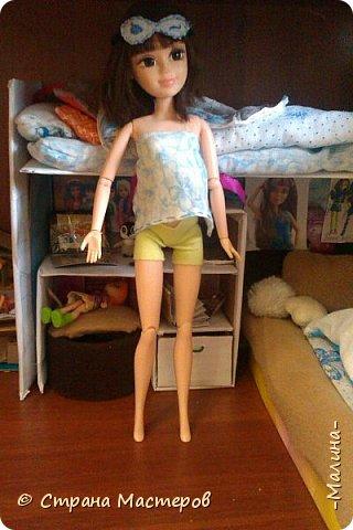 Привет СМ!  Так-как у меня появилась новенькая кукляша- Мили мне пришлось думать о том куда и с кем её поселить... хотела оставить всё как было ,но поставить новую кровать, а в итоге я выбросила все кровати и сделала двухэтажную кровать экономящую место в комнате... Сейчас я вам покажу эту комнату ( в ней поселились Элла и Мили) фото 10