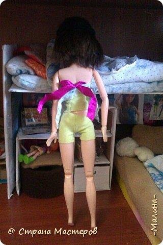 Привет СМ!  Так-как у меня появилась новенькая кукляша- Мили мне пришлось думать о том куда и с кем её поселить... хотела оставить всё как было ,но поставить новую кровать, а в итоге я выбросила все кровати и сделала двухэтажную кровать экономящую место в комнате... Сейчас я вам покажу эту комнату ( в ней поселились Элла и Мили) фото 11