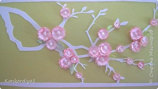 Вот такая нежность получилась из бумаги. цветочки вырезала вручную и немного подкрасила акварелью. фото 5