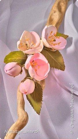 Яблоневый цвет на зажиме для волос фото 5