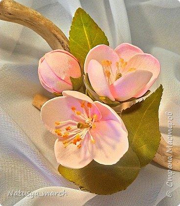 Яблоневый цвет на зажиме для волос фото 2