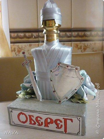 """попросили меня оформить бутылочку на день рождения работнику охранной фирмы """"оберег"""".... кроме рыцаря ничего в голову не пришло:) фото 1"""