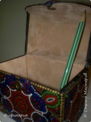 Шкатулки.  Увидела на просторах инета такую шкатулку и захотелось сделать. Из картона, но отделана шпажками для шашлыка. фото 11