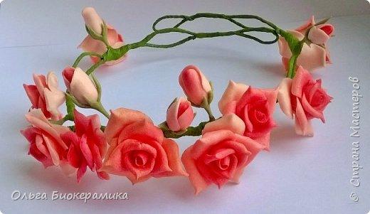 Венок для невесты из холодного фарфора. В составе 9 роз и 6 бутонов. фото 2