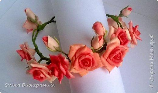 Венок для невесты из холодного фарфора. В составе 9 роз и 6 бутонов. фото 1