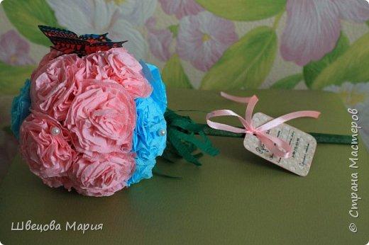 Розовая композиция с бабочкой фото 5
