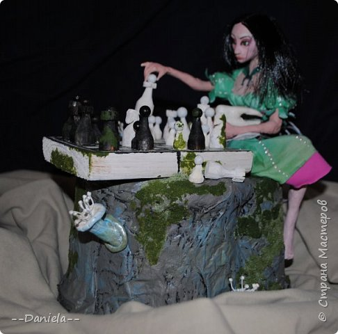 Очередная Алиса (все та же Madness returns) теперь вот подводная Сирена... с шахматами) фото 3
