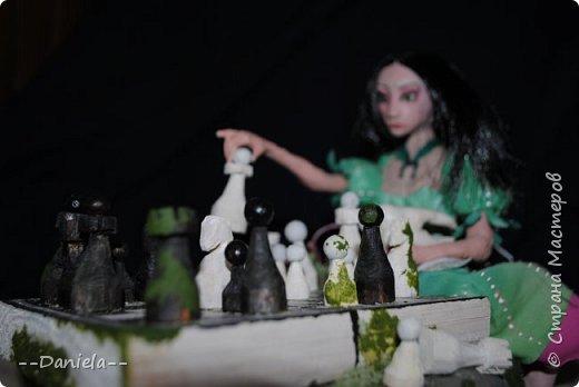 Очередная Алиса (все та же Madness returns) теперь вот подводная Сирена... с шахматами) фото 1