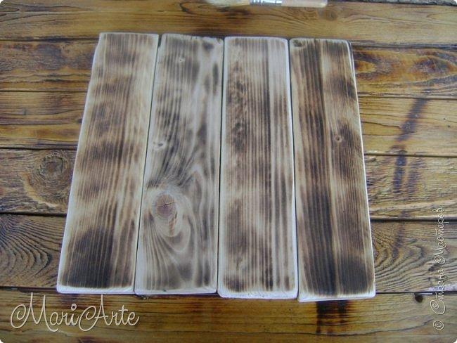 Здравствуйте, всем, заглянувшим ко мне в гости !!  Увидела я как то в интернете, что можно расписывать обычные деревянные дощечки, небрежно сколоченные..... фото 14