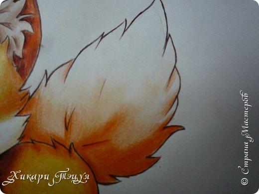 Всем привет! Сегодня мы с вами нарисуем вот такого лисёнка.  Некоторые меня просили сделать МК как я рисую ЭАХ, но, к сожалению, это не так легко. Поэтому я начну свои мастер-классы с более лёгких рисунков. Для работы нам понадобятся: простой карандаш; ластик; если нужно, то чинка; цветтные карандаши; черная, коричневая и оранжевая ручки (если нет, то можно обойтись одной черной или черным фломастером), а еще корректор или белая ручка. И очень прошу - читайте то, что я пишу!!! Не просто смотрите и рисуйте, а еще и читайте, не ленитесь. фото 48