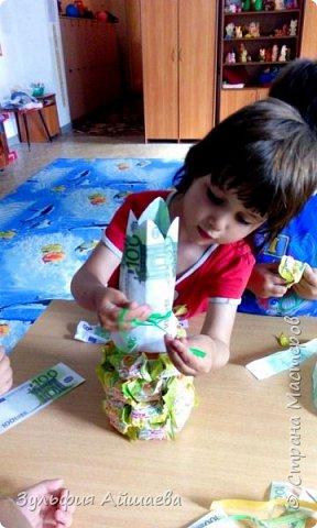 """Вот такие ананасы мы смастерили с малышами из детского реабилитационного центра """"Намыс"""". Поделка проста в исполнении и увлекательна даже для самой младшей группы.)  фото 5"""