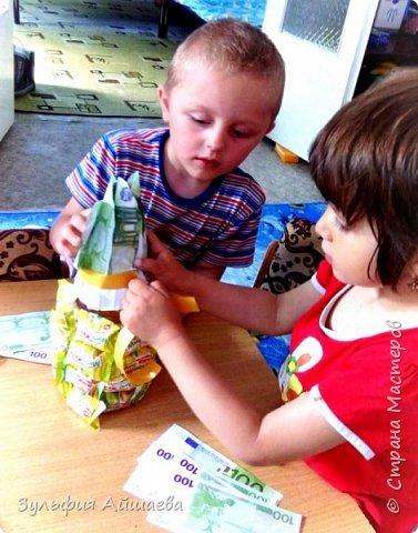 """Вот такие ананасы мы смастерили с малышами из детского реабилитационного центра """"Намыс"""". Поделка проста в исполнении и увлекательна даже для самой младшей группы.)  фото 4"""