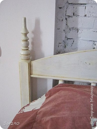 Вот мои вытворки с кроватью. В пару к столику получился гарнитур. фото 7