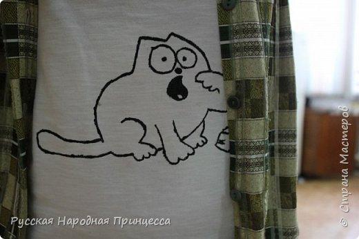 Эти работы созданы в разное время и по разным поводам)) Вот этот голодный котик прикрывает пятно на майке))  фото 1