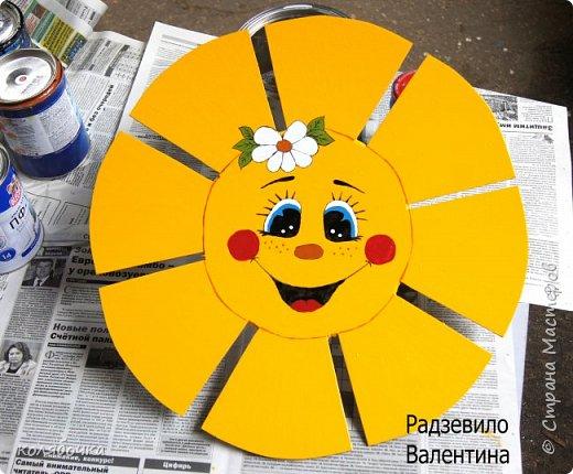 Для садика рисовала бабочку,солнышко и цветочек.На бабочку 8 часов ушло )) (по 3 слоя краски,эмалью красила) фото 2