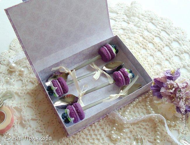Весна, лето, ранняя осень - традиционная пора свадеб... А я в этот раз приготовила романтичную коробочку для поздравления своих родителей с годовщиной бракосочетания.  фото 3
