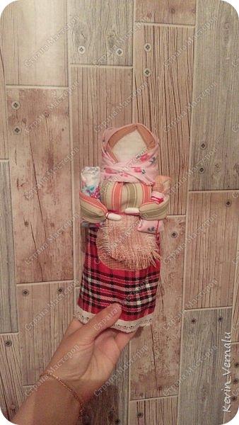 Всем привет!И вот и я понесло по новой теме.И сильнее всего предыдущего...На одном дыхании за неделю,сделала 28 кукол.А вообще насчитала их 97.Хочется сделать всех !Какие же они милые и уютные .... фото 23