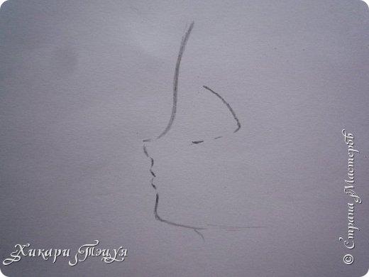 Здравствуйте! Ну вот и обещанный МК девушки-аниме. Правда, только первая часть. Но на большее пока нет времени.  Сегодня мы нарисуем ее карандашом, обведем ручками и разрисуем голову.  Для работы нам нужно: простой карандаш и ластик, цветные ручки, цветные карандаши и корректор, можно еще взять фломастеры, так как я не знаю, пригодятся они нам или нет, потому что фоткаю по ходу того, как рисую. фото 2