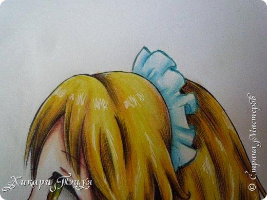 Здравствуйте! Ну вот и обещанный МК девушки-аниме. Правда, только первая часть. Но на большее пока нет времени.  Сегодня мы нарисуем ее карандашом, обведем ручками и разрисуем голову.  Для работы нам нужно: простой карандаш и ластик, цветные ручки, цветные карандаши и корректор, можно еще взять фломастеры, так как я не знаю, пригодятся они нам или нет, потому что фоткаю по ходу того, как рисую. фото 50