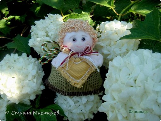 С летним приветом, друзья!  Лето- это маленькая жизнь. Теплое оно или холодное - не так важно. Главное, что оно зеленое и порхающее. Сады цветут  и садовые феи кружатся в хороводе, проверяя свои владения и даря сердечное тепло всем обитателям. фото 5