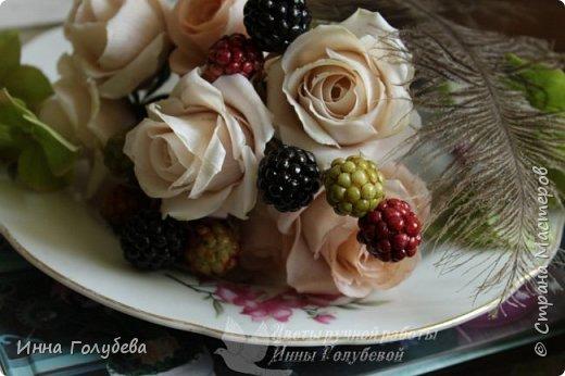 """Девочки,я сегодня к вам вот с таким цветочным"""" тортиком"""". А чем композиция из цветов отличается от блюда) Правильно подобрать ингридиенты- цветы, замешать их в нужном количестве и испытывать наслаждение эстетического вкуса. Я сама еще учусь составлять букетики,но надеюсь,что уже кое- что у меня получается. фото 9"""