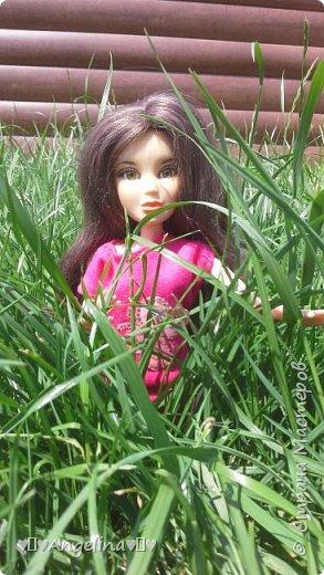 Привет! Я пошила для своих кукол Лив розовую тунику с бабочкой и джинсы. Вообще это должна была быть работа на конкурс, но я не успела. Был плохой интернет.  фото 10