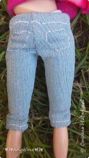 Привет! Я пошила для своих кукол Лив розовую тунику с бабочкой и джинсы. Вообще это должна была быть работа на конкурс, но я не успела. Был плохой интернет.  фото 4