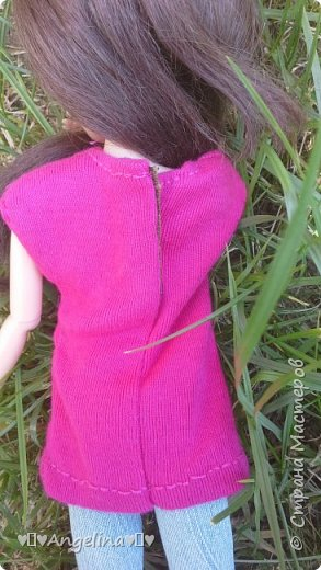 Привет! Я пошила для своих кукол Лив розовую тунику с бабочкой и джинсы. Вообще это должна была быть работа на конкурс, но я не успела. Был плохой интернет.  фото 2