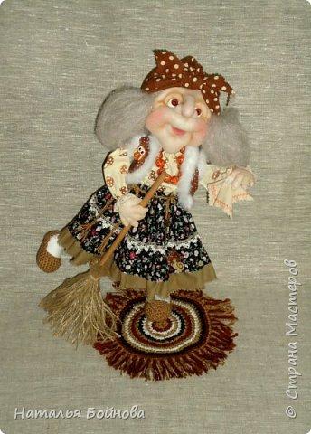 Кукла выполнена в скульптурно-текстильной технике. Коврик связан крючком. фото 1