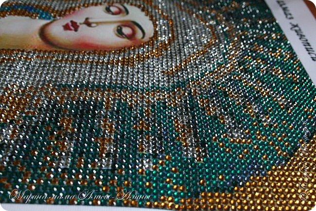 Первая моя работа-икона божьей матери.Очень понравилось делать!Стразики блестящие ,очень красиво переливаются. фото 2