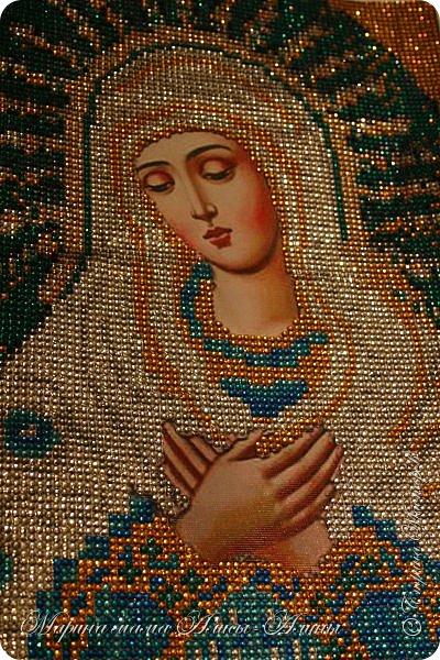 Первая моя работа-икона божьей матери.Очень понравилось делать!Стразики блестящие ,очень красиво переливаются. фото 6