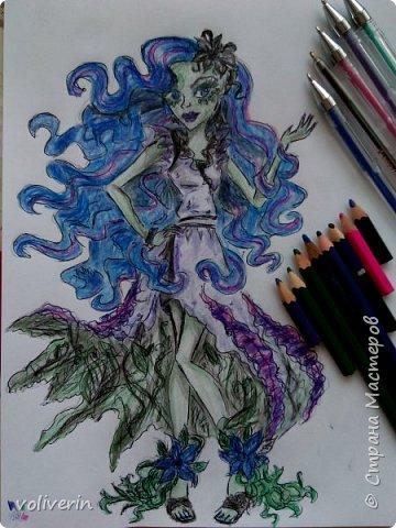 """""""Куколы Монстер Хай (Monster High) нарисованных ручками и цветными карандашами часть два"""" Продолжаю рисовать монстряшек, получаться стало лучше, чем в начале, но ещё есть к чему стремиться. фото 33"""