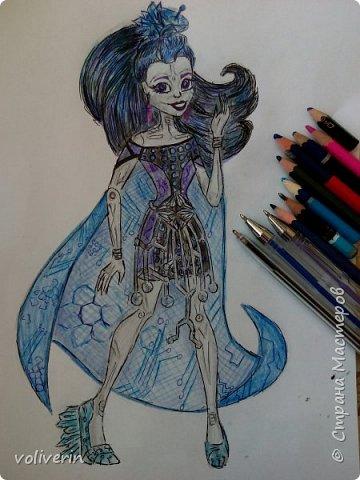 """""""Куколы Монстер Хай (Monster High) нарисованных ручками и цветными карандашами часть два"""" Продолжаю рисовать монстряшек, получаться стало лучше, чем в начале, но ещё есть к чему стремиться. фото 25"""