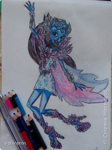 """""""Куколы Монстер Хай (Monster High) нарисованных ручками и цветными карандашами часть два"""" Продолжаю рисовать монстряшек, получаться стало лучше, чем в начале, но ещё есть к чему стремиться. фото 23"""