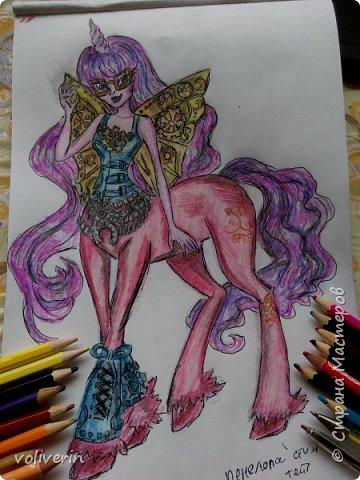 """""""Куколы Монстер Хай (Monster High) нарисованных ручками и цветными карандашами часть два"""" Продолжаю рисовать монстряшек, получаться стало лучше, чем в начале, но ещё есть к чему стремиться. фото 14"""