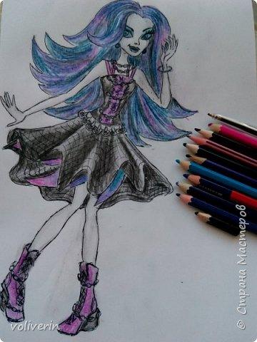 """""""Куколы Монстер Хай (Monster High) нарисованных ручками и цветными карандашами часть два"""" Продолжаю рисовать монстряшек, получаться стало лучше, чем в начале, но ещё есть к чему стремиться. фото 11"""