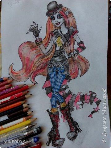 """""""Куколы Монстер Хай (Monster High) нарисованных ручками и цветными карандашами часть два"""" Продолжаю рисовать монстряшек, получаться стало лучше, чем в начале, но ещё есть к чему стремиться. фото 2"""